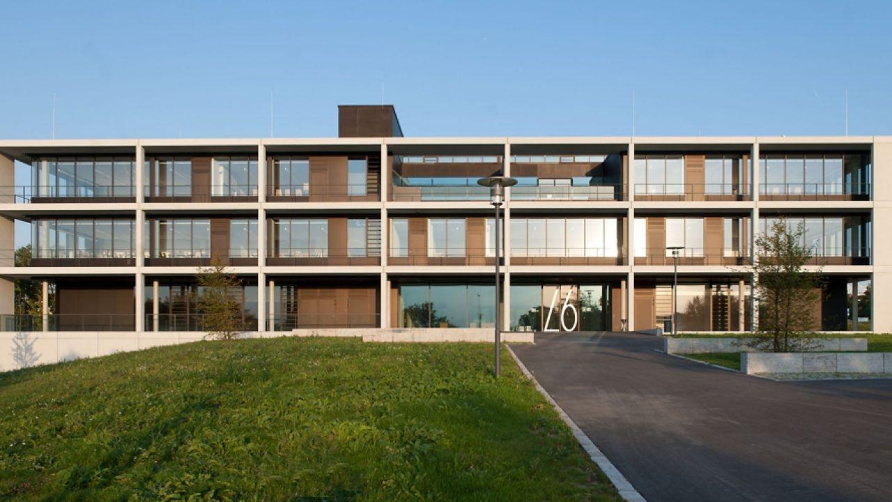 bund deutscher architekten h rsaalzentrum universit t. Black Bedroom Furniture Sets. Home Design Ideas