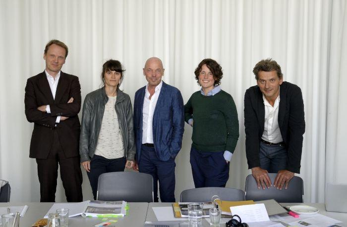 BDA_Preis_Jury_mit_Kurator_Amandus_Sattler_Foto_Volker_Derlath
