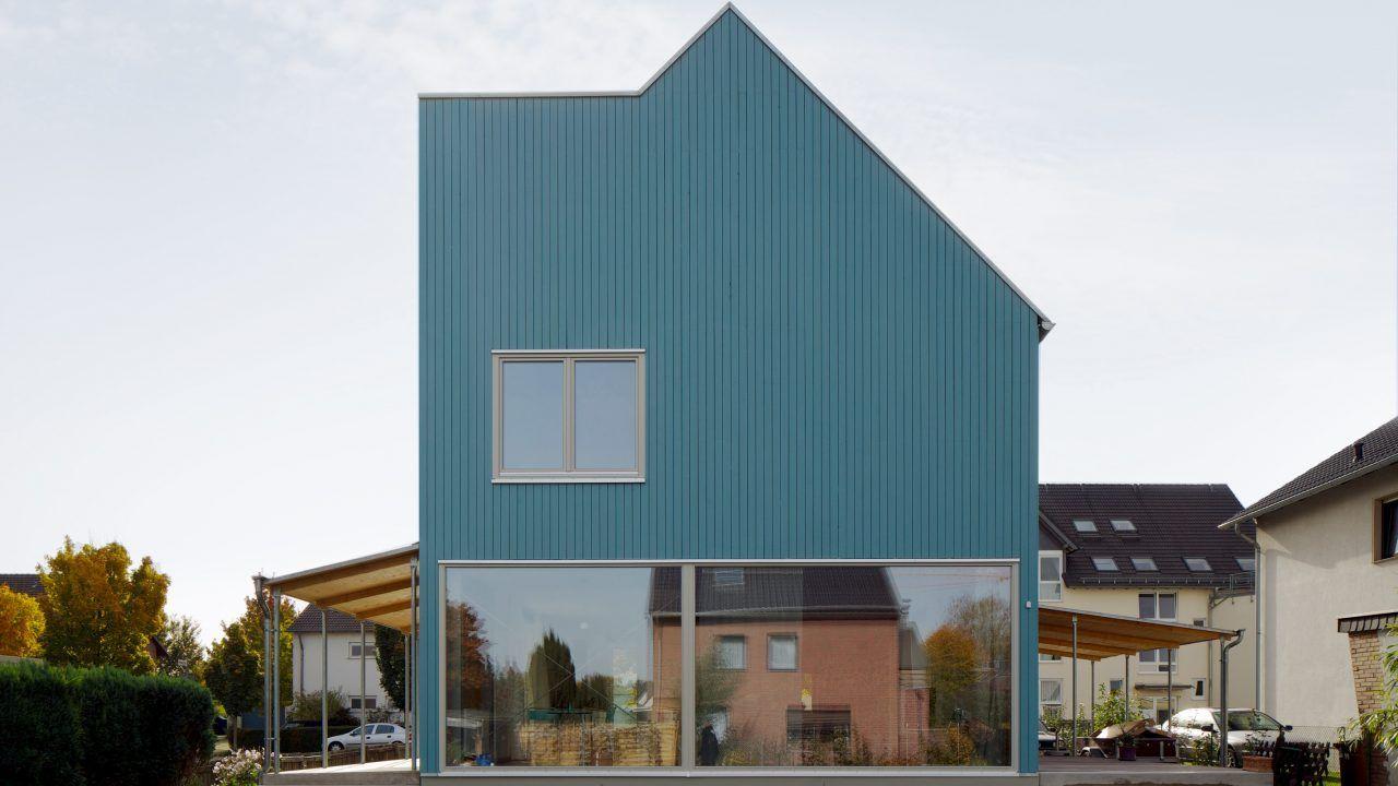 bund deutscher architekten kleines haus blau umbau und erweiterung eines einfamilienhauses h rth. Black Bedroom Furniture Sets. Home Design Ideas