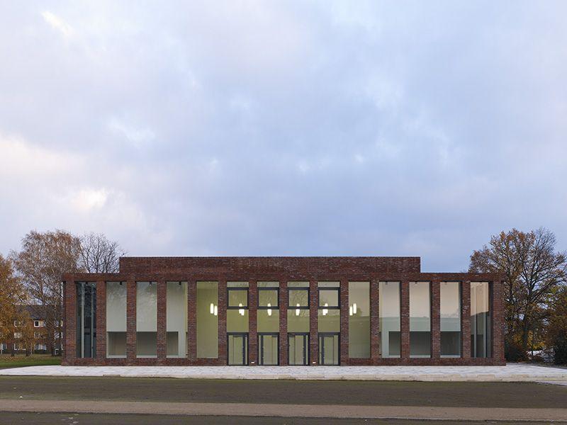 bund deutscher architekten sports and convention center. Black Bedroom Furniture Sets. Home Design Ideas