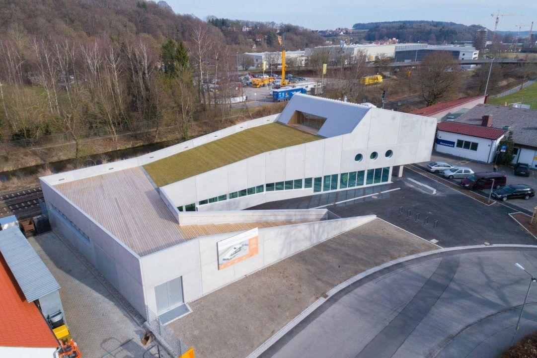 Bild1:Beat Schiltknecht, Bild 2: i+RB Industrie- & Gewerbebau GmbH